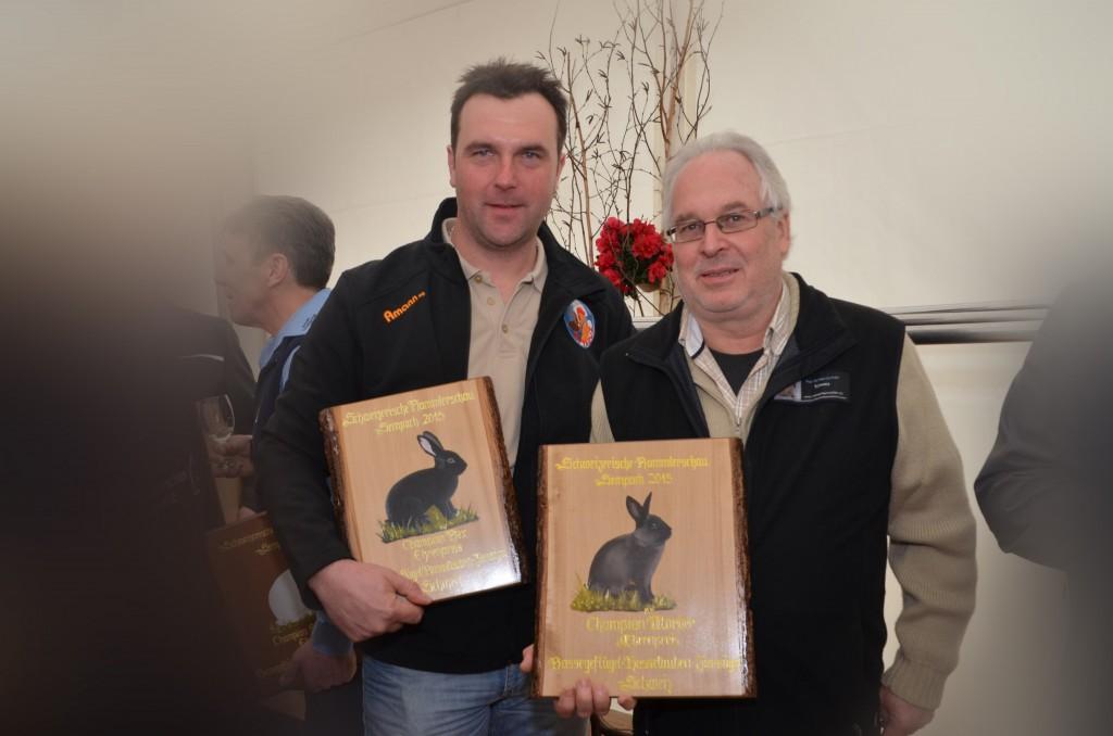 """Die zwei """"Champions"""" aus Liechtenstein mit ihren stolzen Besitzern: Patrick Marxer (li.) und Hans Frischknecht (re.)"""